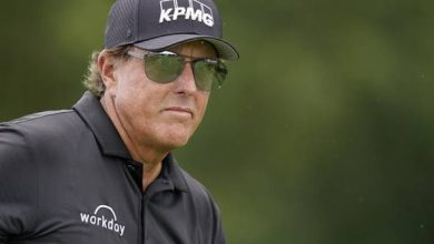 Photo of Phil Mickelson blasts USGA over proposed driver length limit | Reuters